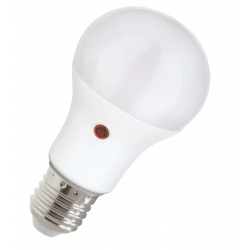 E27 LED Pære 8,5W 2700K 800Lm Med Skumringssensor